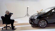 Opel Corsa ve Choupette, Karl Lagerfeld için poz verdi