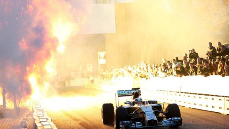 Mercedes AMG Petronas  F1 tarihine damga vurdu