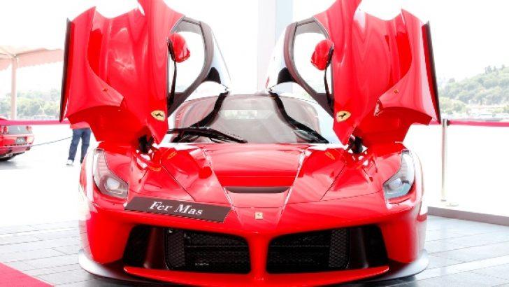 Efsane Ferrari'ler,  Otomobil Güzellik Yarışmasını Taçlandırdı!