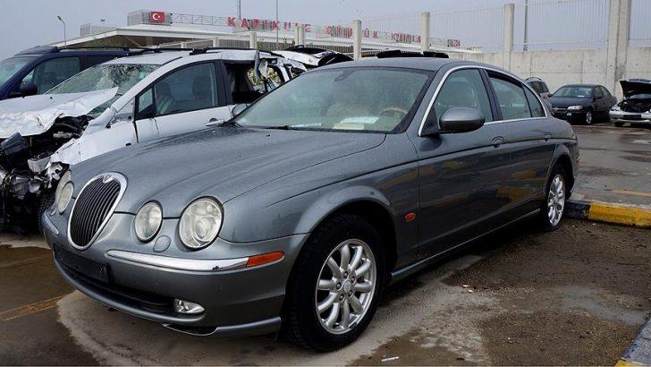 2004 model Jaguar marka otomobil 35 bin 600 liraya satıldı