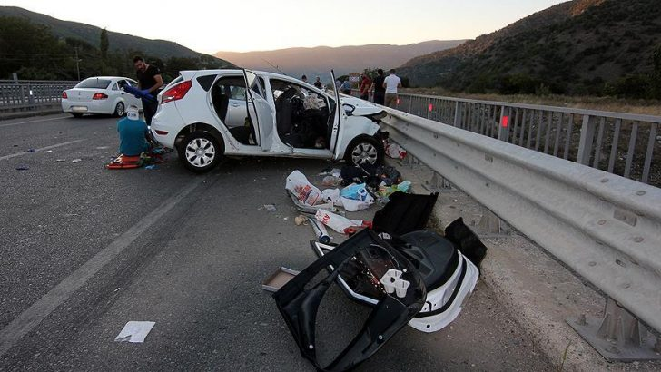 Trafik kazalarında % 90 insan kusuru var
