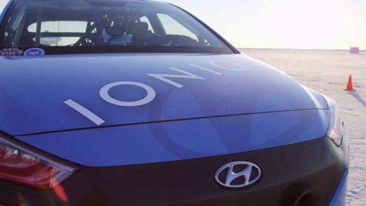 Hyundai IONIQ'ten FIA Onaylı Dünya Hız Rekoru.