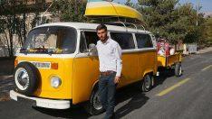 Üniversite öğrencisi gencin nostaljik araç sevdası