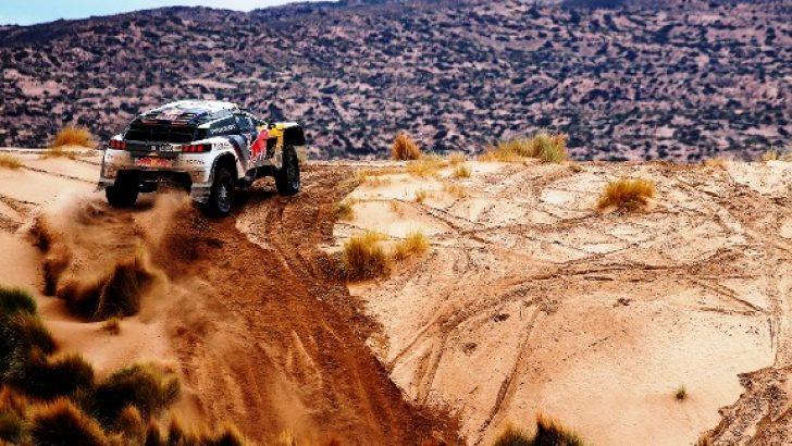 İlk üçte yer alan Peugeot, Dakar'da hız kesmiyor