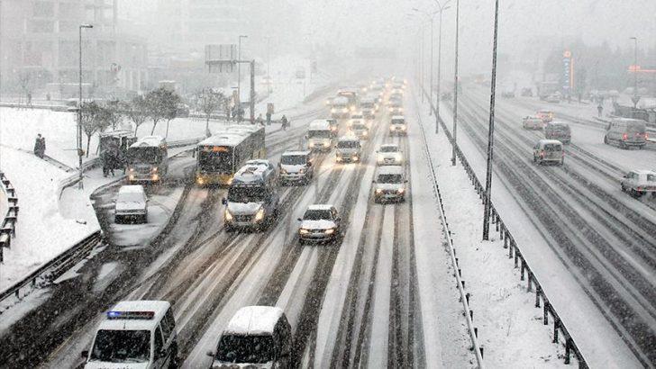 İstanbul'da mesai saatlerine kar yağışı düzenlemesi