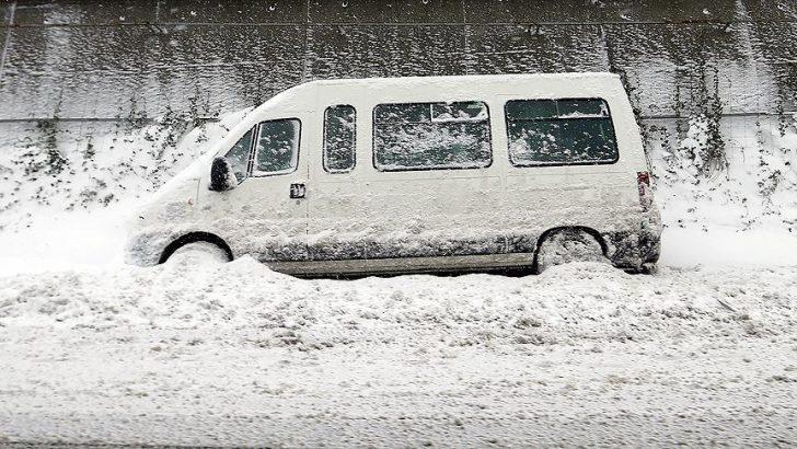İstanbullulara 'Caddelere bırakılan araçları çekin' çağrısı