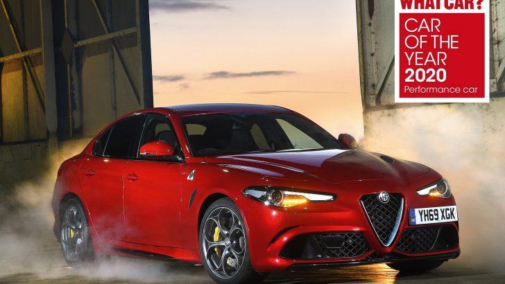 """Alfa Romeo Giulia Quadrifoglio 3. Kez """"Yılın Performans Otomobili"""""""