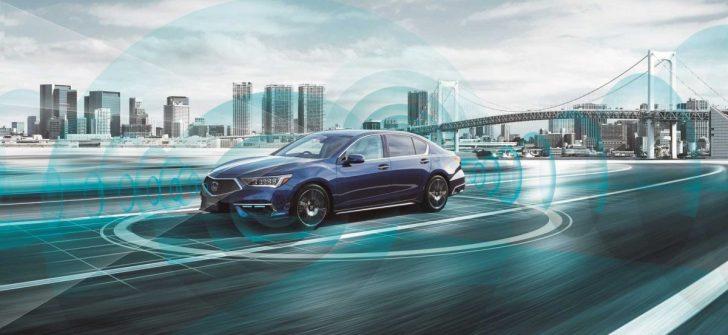 """Honda Legend """"kendi kendine giden araç"""" sertifikası ile satışa çıktı."""