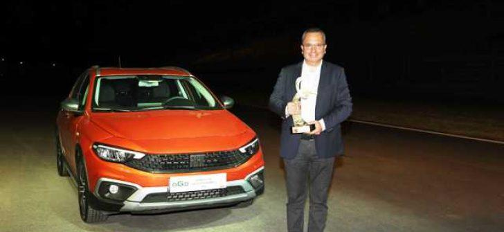 TÜRKİYE'de Yılın Otomobili FIAT Egea Cross seçildi.